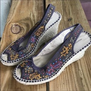 Shoes - Brown wedges size 9 paisley